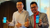 Country Head Xiaomi Indonesia Steven Shi (kiri) dan Deputy CEO Smartfren Djoko Tata Ibrahim saat merilis Redmi 7A. (Liputan6.com/ Agustins Setyo Wardani)