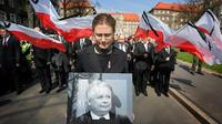 Presiden Polandia Lech Kaczynski dan istrinya Maria Kaczyńska tewas dalam kecelakaan pesawat pada 2010 (Reuters)