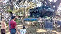 Monumen Panser Anoa didirikan di atas Taman Trunojoyo, Kota Malang (Liputan6.com/Zainul Arifin)