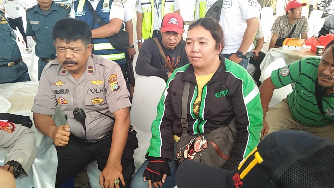 Pengemudi Ojek Online Wanita ini Melihat Hal Mengerikan dari Pesawat Lion Air Sebelum Jatuh