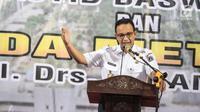 Gubernur DKI Jakarta Anies Baswedan memberikan sambutan pada acara peresmian Rusun Promoter Polri di Kebon Jeruk, Jakarta Barat, Rabu (28/11). Rusun tersebut akan dihuni oleh anggota polri yang masih aktif bertugas. (Liputan6.com/Faizal Fanani)