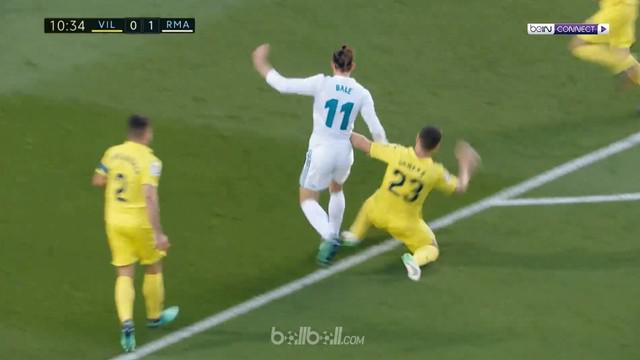 Berita video anak Zinedine Zidane, Luca, dibobol dua kali saat Real Madrid imbang 2-2 kontra Villarreal pada laga pekan terakhir La Liga 2017-2018. This video presented by BallBall.