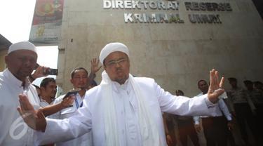 20170201-Habib Rizieq Diperiksa terkait Kasus Makar di Polda-Jakarta
