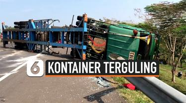 kontainer terguling