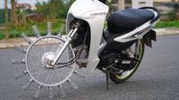 Motor yang memakai roda dari per (Sumber: YouTube/VN NTN)