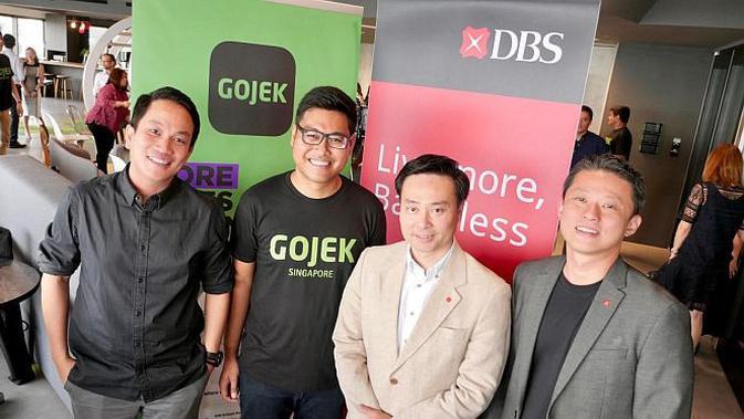 Foto (kiri - kanan) Presiden Gojek Andre Soelistyo, Head of Transport Gojek Global Radityo Wibowo , Group Head of Strategy and Planning DBS Bank Shee Tse Koon, dan Head of Ecosystems, Consumer Banking Group  DBS Bank Gene Wong (Foto: Go-Jek)