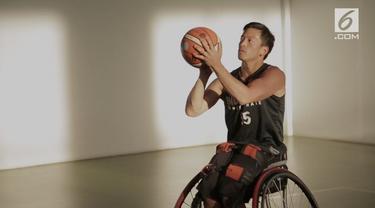 Donald Santoso mengemban tugas sebagai kapten timnas basket kursi roda Indonesia di Asian Para Games 2018. Pria yang pernah bermain di Phoenix Suns ini ingin timnas basket melangkah jauh di ajang ini.