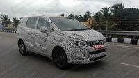 Mahindra Marazzo calon penantang Toyota Innova Crysta di India. (Drivespark)