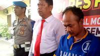 Pelaku pembunuhan menggunakan kopi beracun diamankan Polres Pasuruan. (Liputan6.com/ Dian Kurniawan)