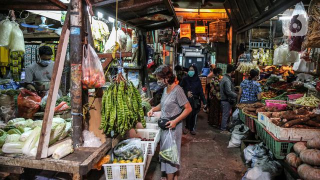 075586700 1591850143 20200611 Pengunjung Pasar Tradisional Dibatasi FANANI 8 - Penerapan New Normal di Pusat Perbelanjaan dan Pasar Tradisional