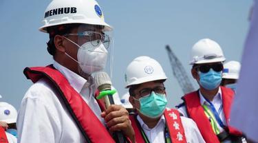 Menhub Budi Karya di Pelabuhan Patimban. istimewa ©2020 Merdeka.com