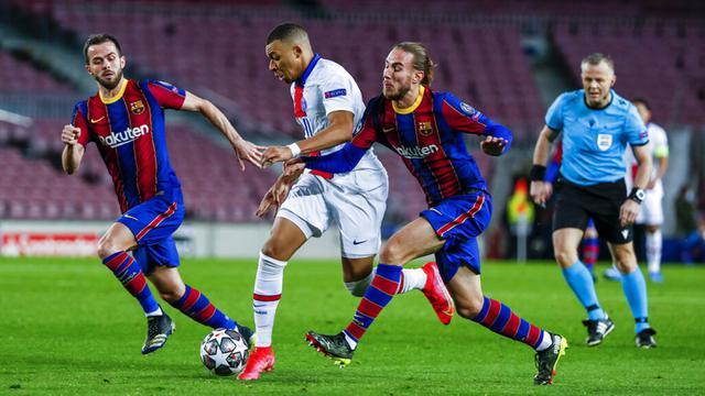 FOTO: PSG Permalukan Barcelona di Camp Nou