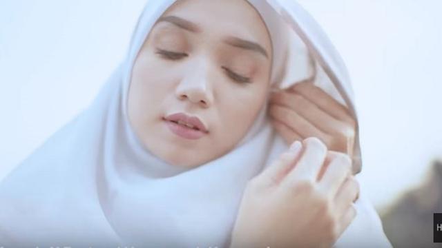 Tutorial Hijab Segi Empat Simpel With New Scarf Tevazu Ramadan Liputan6 Com