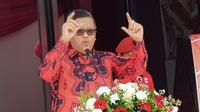 Sekjen PDIP, Hasto Kristiyanto dalam peresmian kantor DPC Purwakarta PDIP. (Merdeka.com/Muhammad Genantan Saputra)