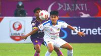 Witan Sulaeman saat membela PSIM Yogyakarta melawan Persik Kediri di Stadion Brawijaya, Kediri, Minggu (2/9/2019). (Bola.com/Gatot Susetyo)