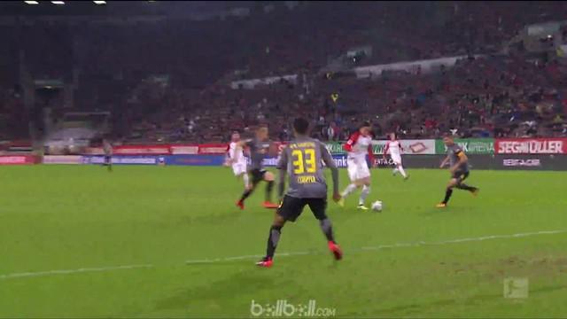 Berita video highlights Bundesliga 2017-2018 antara Augsburg melawan RB Leipzig dengan skor 1-0. This video presented by BallBall.