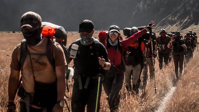 45 Kata Kata Pendaki Gunung Makna Mendalam Bikin Termotivasi