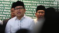 Ketum PKB Muhaimin Iskandar (Cak Imin) mengikuti Haul Para Pejuang NU di halaman gedung PBNU, Jakarta, Rabu (10/4/2019). Kegiatan tersebut digelar untuk menghormati jasa-jasa para pejuang NU yang telah meninggal ataupun masih hidup. (Liputan6.com/Johan Tallo)