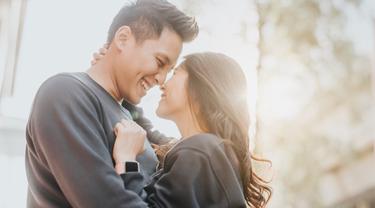 Berpelukan 20 Detik Dengan Pasangan Ini Yang Akan Terjadi Kemudian Lifestyle Fimela Com