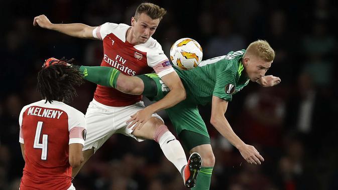 Bek Arsenal, Rob Holding (AP/Kirsty Wigglesworth)