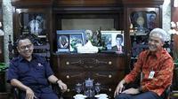 Sudirman Said berkunjung ke rumah dinas Gubernur Jateng, Ganjar Pranowo di Puri Gedeh Semarang, Selasa (11/2).