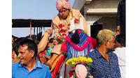Kisah Ajay Barot yang menikah tanpa pengantin wanita (Sumber: Indian Express)