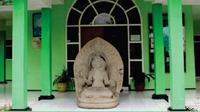 Koleksi Museum Mpu Purwa, baik berupa arca, artefak maupun benda-benda cagar budaya lainnya masih dalam perawatan Disbudpar. (http://mpupurwamalang.blogspot.co.id/)