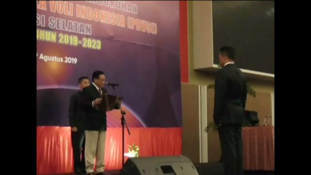 Ketua Umum Pengurus Pusat PBVSI Komjen Pol Imam Sudjarwo kukuhkan Kapolda Sulsel Irjen Pol Hamidin jadi ketua PBVSI Sulsel.