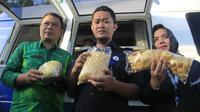 Cek keamanan takjil, BPOM Gorontalo menemukan 3 produk mi dan kerupuk mengandung boraks. (Liputan6.com/Arfandi Ibrahim)