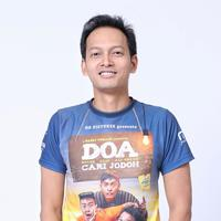 Media visit pemain film DOA - Doyok Otoy Ali Oncom Cari Jodoh (Adrian Putra/bintang.com)