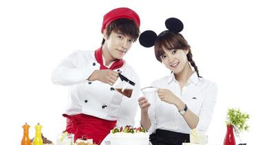 [Bintang] 8 Aktor Korea yang Pernah Berperan Menjadi Chef