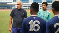 Pelatih Persib Bandung Mario Gomez akan memberikan waktu libur hingga Januari mendatang. (Huyogo Simbolon)