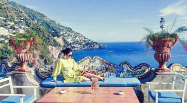 Sejak menikah dengan Reino Barack, Syahrini memang terlihat kerap menghabiskan waktu dengan suaminya. Momen kebersamaannya pun diisi dengan berbagai kegiatan hingga liburan ke luar negeri. Cukup banyak negara yang ia kunjungi, tak hanya negera Asia saja. (Liputan6.com/IG/@princessyahrini)