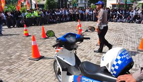 Polres Semarang menggelar Millenial Road Safety Festival (MRSF) 2019 di Halaman SMK 1 Bawen, Semarang, Jumat (1/2). Kegiatan ini bentuk kepedulian kepolisian pada kaum millennial yang berusia 17-35 tahun dalam tertib berlalu lintas.(Www.sulawesita.com)