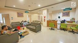 Ruang medical check up RS EMC Sentul, Jawa Barat, Sabtu (21/4). RS EMC memiliki alat pemeriksaan diagnaostic yang canggih dan kamar kualitas yang terbaik. (Liputan6.com/Herman Zakharia)Herman Zakharia)