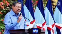 Ketua Umum Partai Demokrat Susilo Bambang Yudhoyono memberikan pidato saat perayaan HUT Partai Demokrat ke-16 di Cikeas, Jawa Barat, Sabtu (9/9). Acara HUT Partai Demokrat ini dirayakan bersama kader dan warga sekitar. (Liputan6.com/Angga Yuniar)