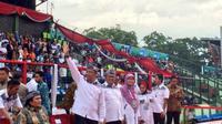 Menteri Pemuda dan Olahraga, Imam Nahrawi, membuka Pekan Paralimpik Nasional (Peparnas) 2016 di Stadion Siliwangi, Bandung, Sabtu (15/10/2016). (PON-Peparnas)