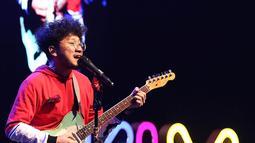 Saat naik ke atas panggung, Kunto langsung disambut teriakan para penonton yang hadir dalam XYZ Creator Award 2018. (Bambang E Ros/Bintang.com)