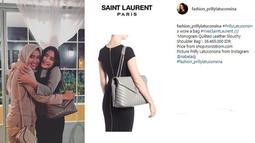 Tas warna silver milik Prilly Latuconsina ini bermerek Saint Laurent. Tas ini berharga Rp 36 juta. (Foto: instagram.com/fashion_prillylatuconsina)