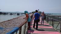 Masyarakat Pulau Natuna sudah mulai melakukan aktivitas seperti biasa, Rabu (5/2/2020). (Liputan6.com/Ajang Nurdin)