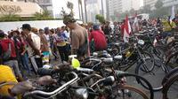 Komunitas sepeda ontel meriahkan Car Free Day.