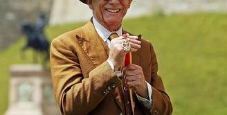 Pemeran Garrick Ollvander, John Hurt meninggal dalam usia 77 tahun. Melawan beberapa penyakit yang dideritanya, akhirnya John hembuskan nafas terakhir pada 27 Januari 2017 di kediamannya. (doc.dailymail.com)