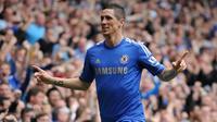7. Fernando Torres - Chelsea memboyong striker karismatik Spanyol ini dengan harga 50 juta poundsterling dari Liverpool. Produktivitasnya menurun bersama The Blues hingga akhirnya dipinjamkan ke AC Milan. (AFP/Olly Greenwood)
