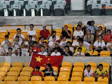 Laga Indonesia vs Cina yang berlangsung di Stadion GBK Jakarta tidak boleh dihadiri oleh suporter Indonesia hanya tampak beberapa suporter asal Cina (Liputan6.com/Helmi Fithriansyah)