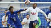 Chelsea harus puas dengan hasil imbang 2-2 saat melakoni laga uji coba pramusim menghadapi Tottenham Hotspur di Stamford Bridge, London, Rabu (4/8/2021). Tampil dengan beberapa pemain intinya, Chelsea sempat unggul dua gol sebelum disamakan Tottenham. (Foto: AP/Matt Dunham)