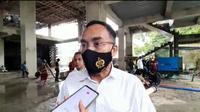 Dir Reskrimsus Polda Sulsel Kombes Pol Widoni Fedri memerintahkan penyidik menelusuri aset para tersangka korupsi pembangunan Rumah Sakit Batua Makassar (Liputan6.com/ Eka Hakim)