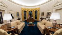 Dekorasi Baru Ruang Oval Kantor Presiden AS Joe Biden. (AP Photo)