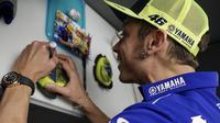 Pembalap Movistar Yamaha, Valentino Rossi sudah melewati setahun tanpa kemenangan di kelas MotoGP. (Twitter/Yamaha Motor)