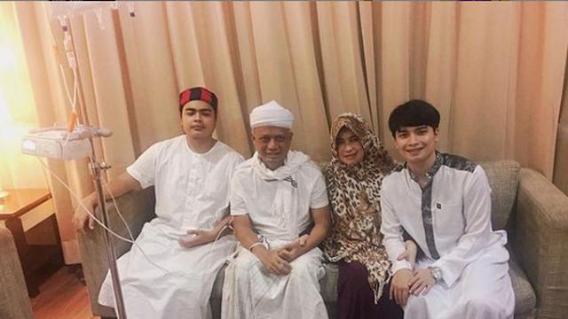 Ustaz Arifin Ilham dan Keluarga