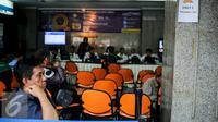 Suasana pendaftaran mudik gratis di kantor Kementerian Perhubungan, Jakarta, Senin (16/6/2015). Kemenhub telah membuka pendaftaran mudik gratis dengan berbagai jenis moda transportasi bagi pengguna sepeda motor. (Liputan6.com/Faizal Fanani)